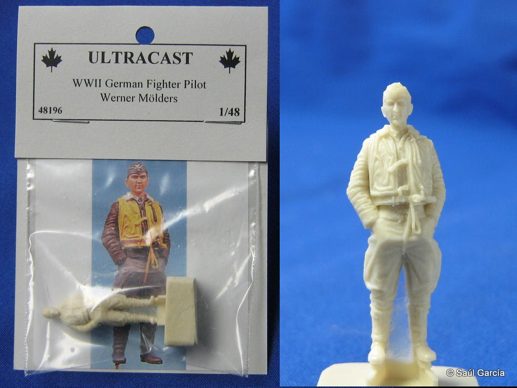 Packages 48th scale figure.