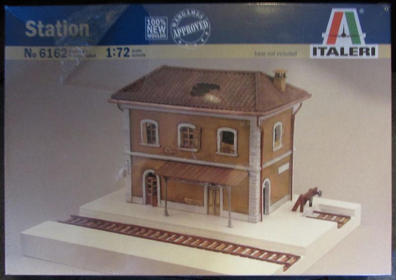 Italeri_Train_Station.jpg