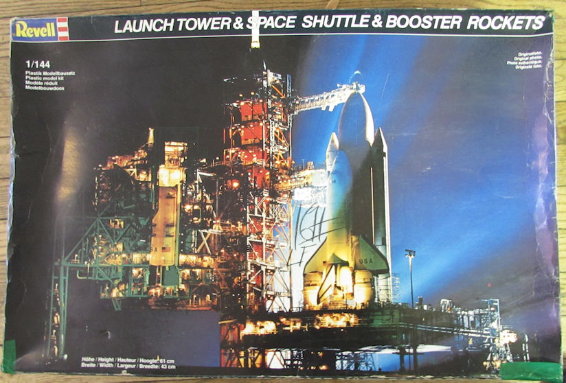 Revell_Space_Shuttle_with_Launch_Tower.j
