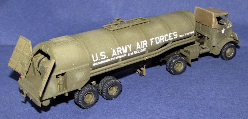 USAAF_Autocar_U-7144-T_Tractor_and_F-1_F