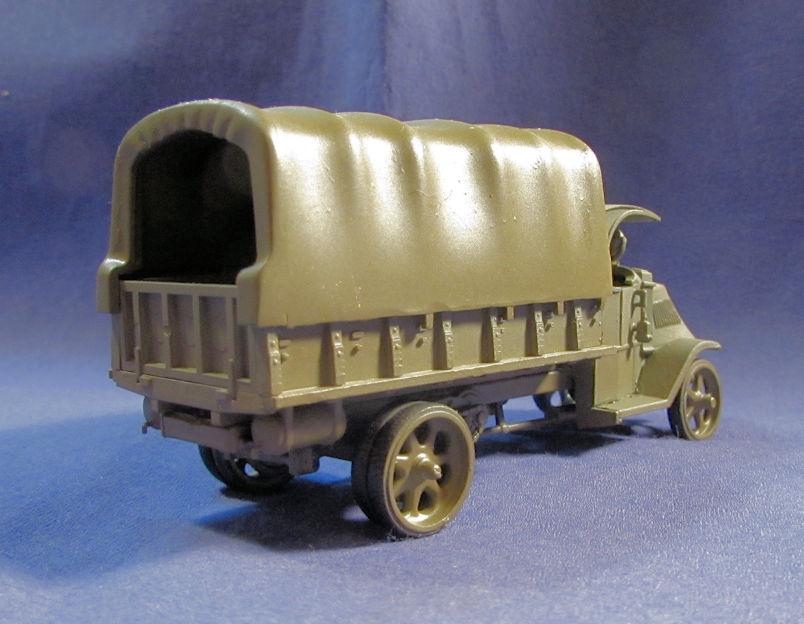 US_Army_MACK_Truck_Cargo_Late_II.jpg