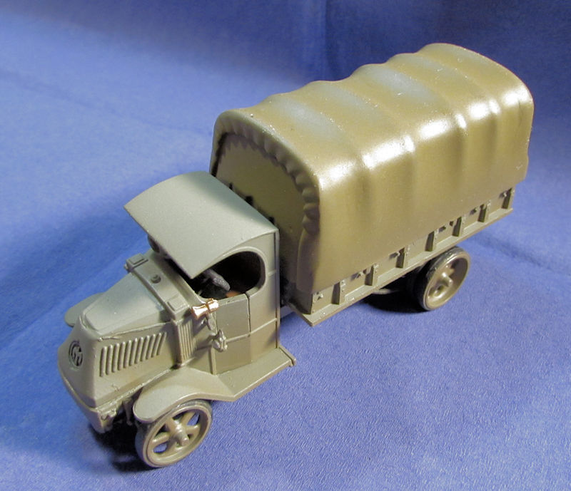 US_Army_MACK_Truck_Cargo_Late_III.jpg